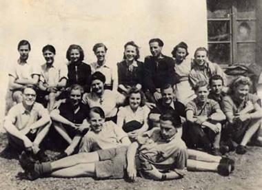 """Kölner """"Edelweißpiraten"""" um 1942 an der Liesenberger Mühle"""
