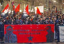 Frontreihe einer Antifademonstration im August 2006 in Bern